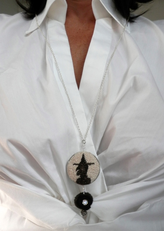wytch pendant
