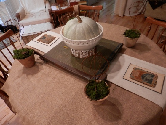 burlap and linen table coverings